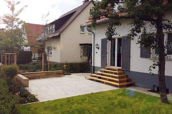 Familiengarten mit gemütlicher Wohnterrasse in Mössingen.